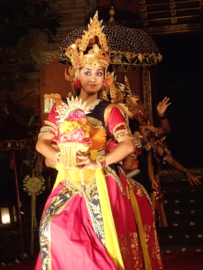 Lotus Village - Bali 2016 - Traditional dance