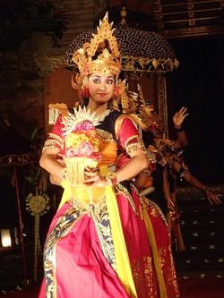 Lotus Village - Bali 2016 - Traditional dance
