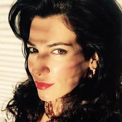 Cecilia Gessa La Embajada