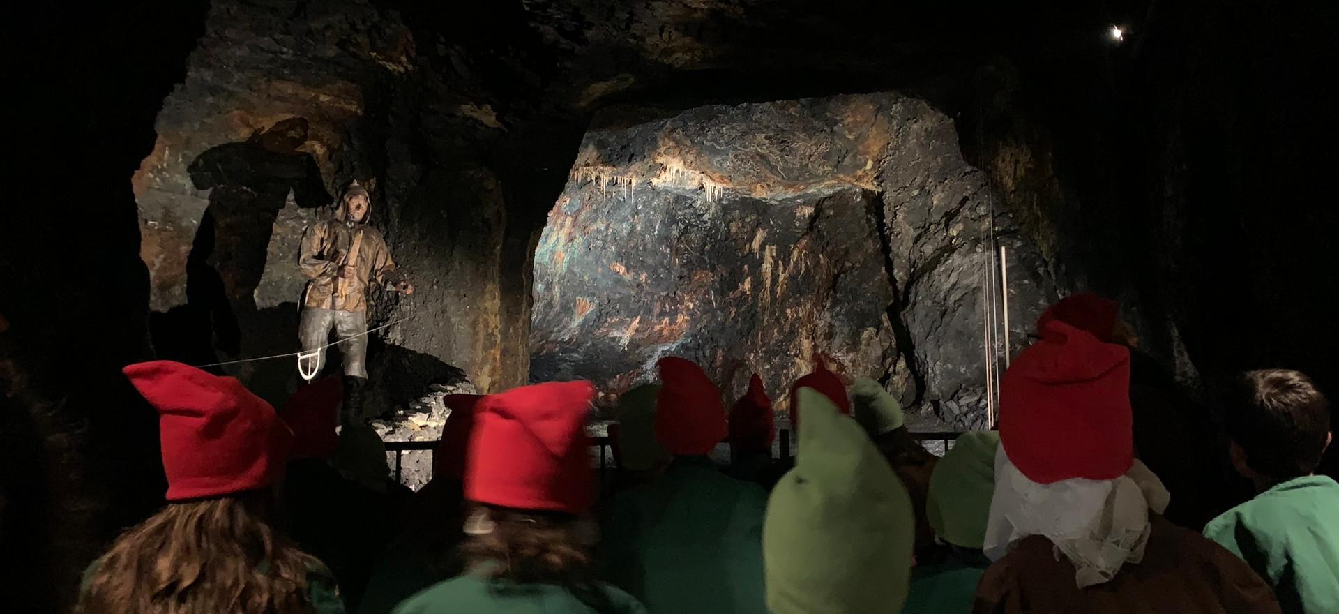 Führung durch die Tropfsteinhöhle