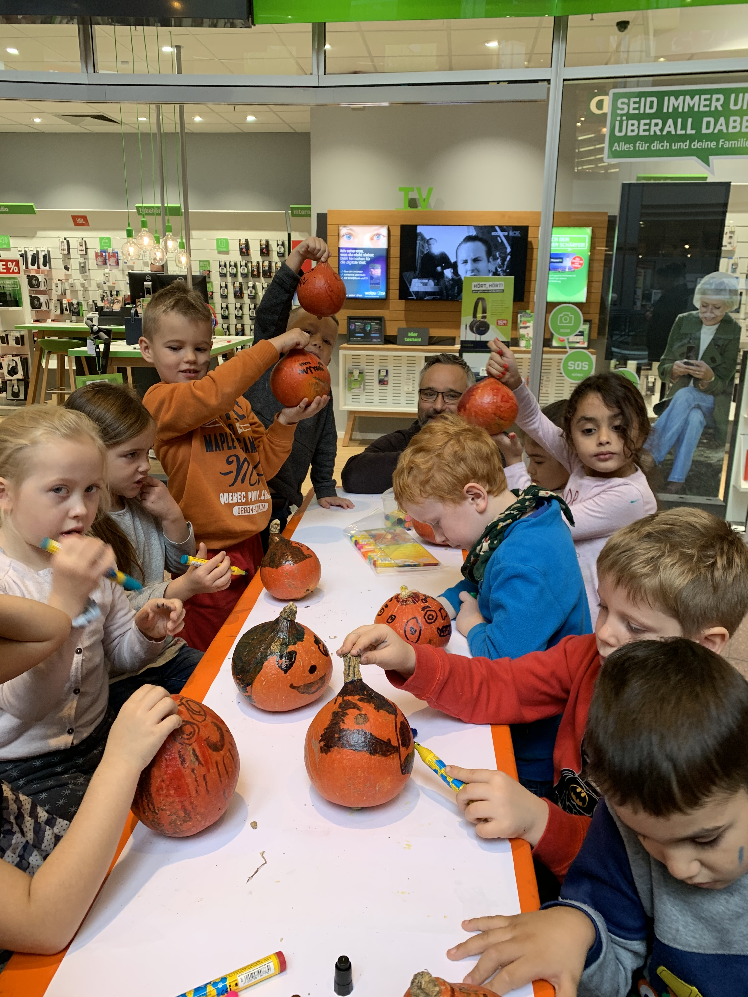 Halloween-Basteln Marktpassage