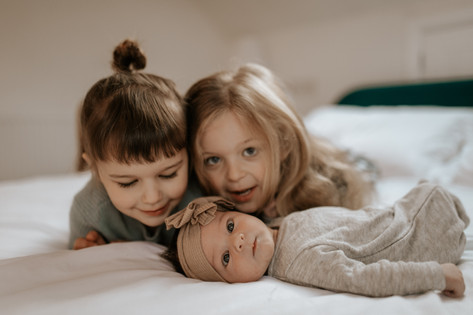 Newborn_Family_Session-34.jpg