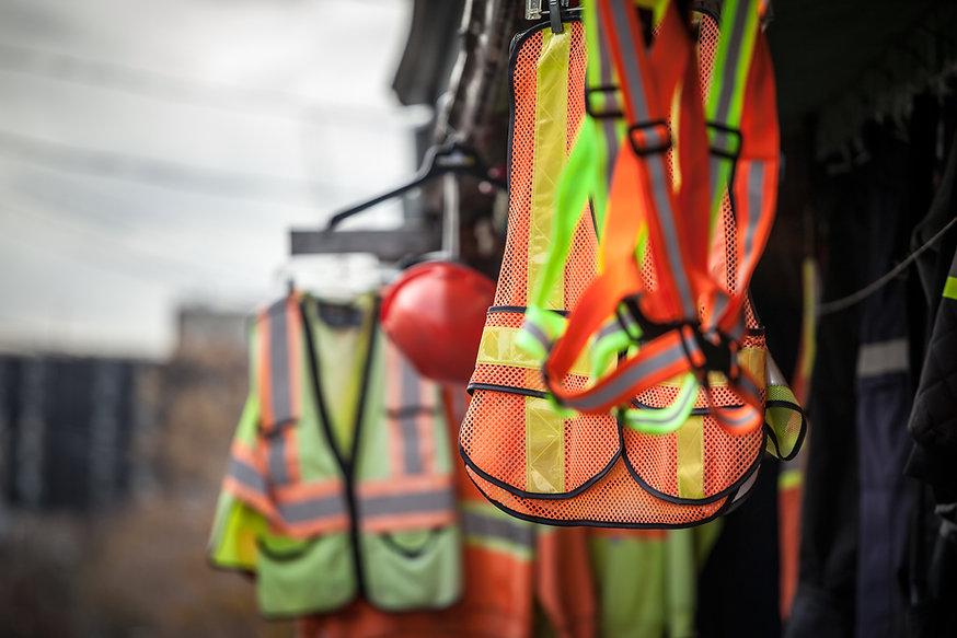 iStock-1152517548-construction-PPE-Vest.