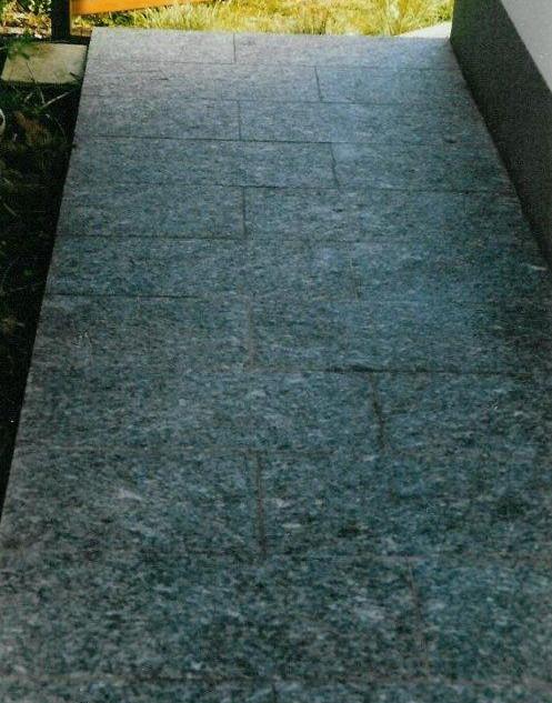 Granitpflaster gereinigt