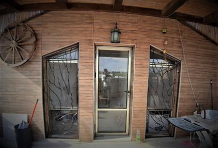 סורגים מעוצבים ללונות חזית גדולים סורגי