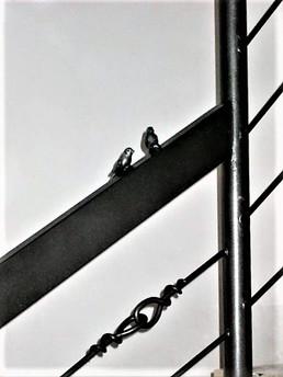 מעקה ברזל מעוצב עם ציפורים נפחות יפיאל