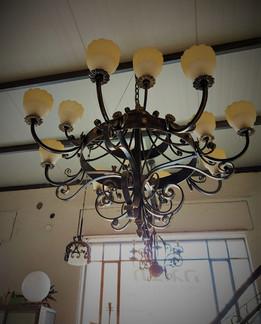 אמנות בברזל יפיאל מנורה מעוצבת בנפחות בר