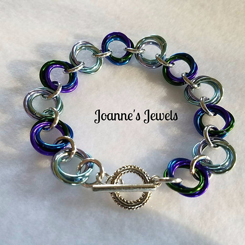 Mobius Knot Chain Maille Bracelet