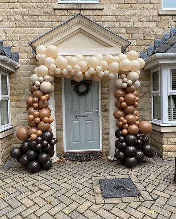 event-planner-in-bradford-balloon-arch-h