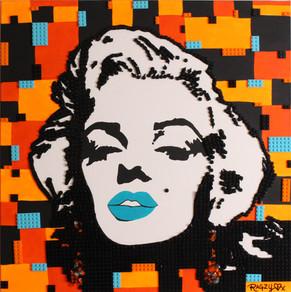 DANGER! LEGO Marilyn