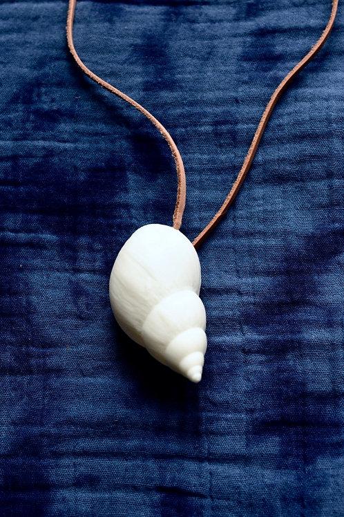 Pendant: Seashell I