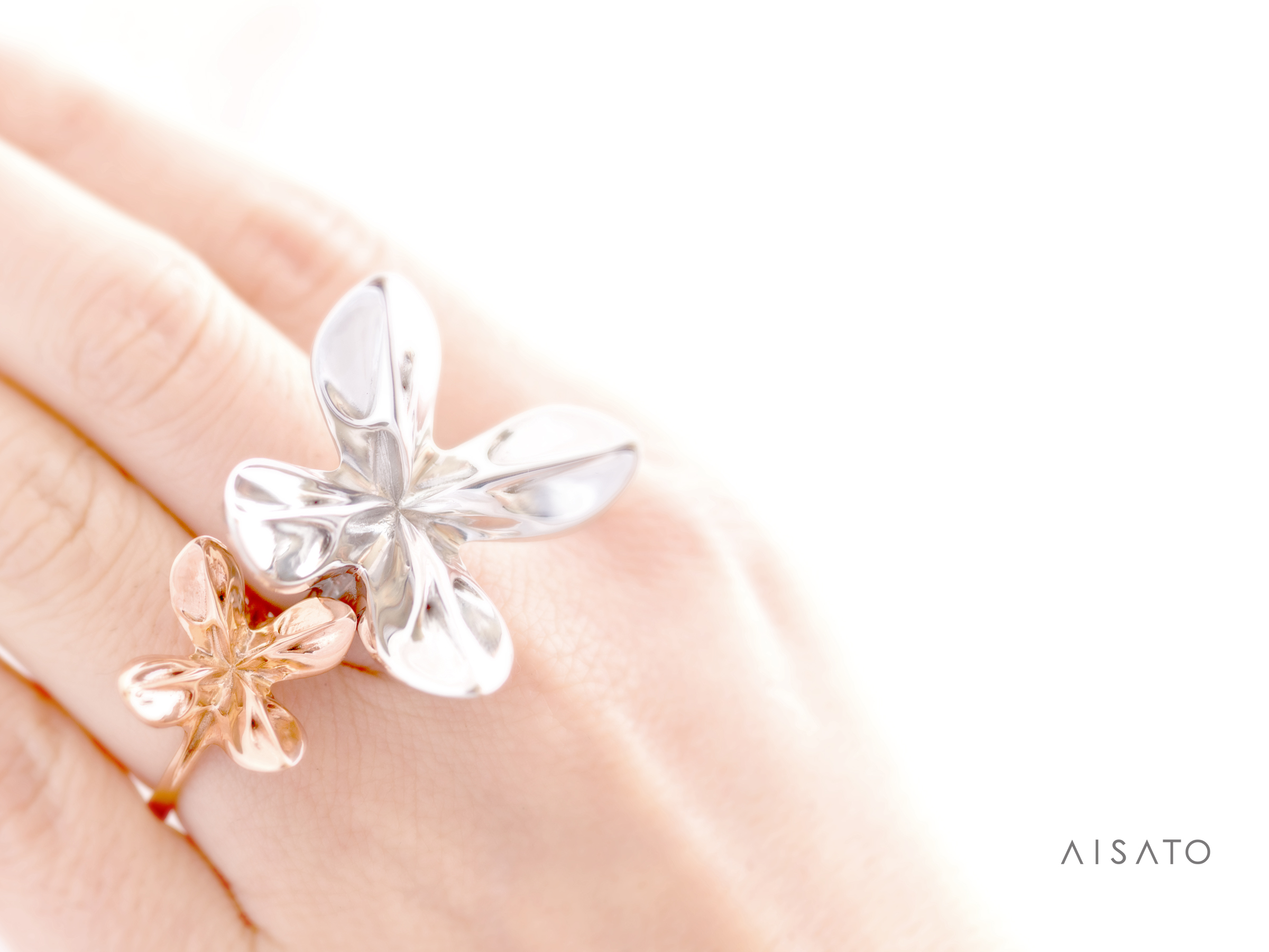 Blooming_Hands_03