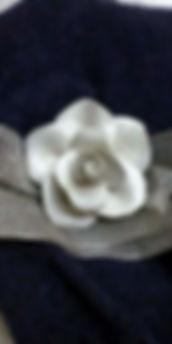 rose, necklace. ceramic CeramicarteOrvieto workshop crafts