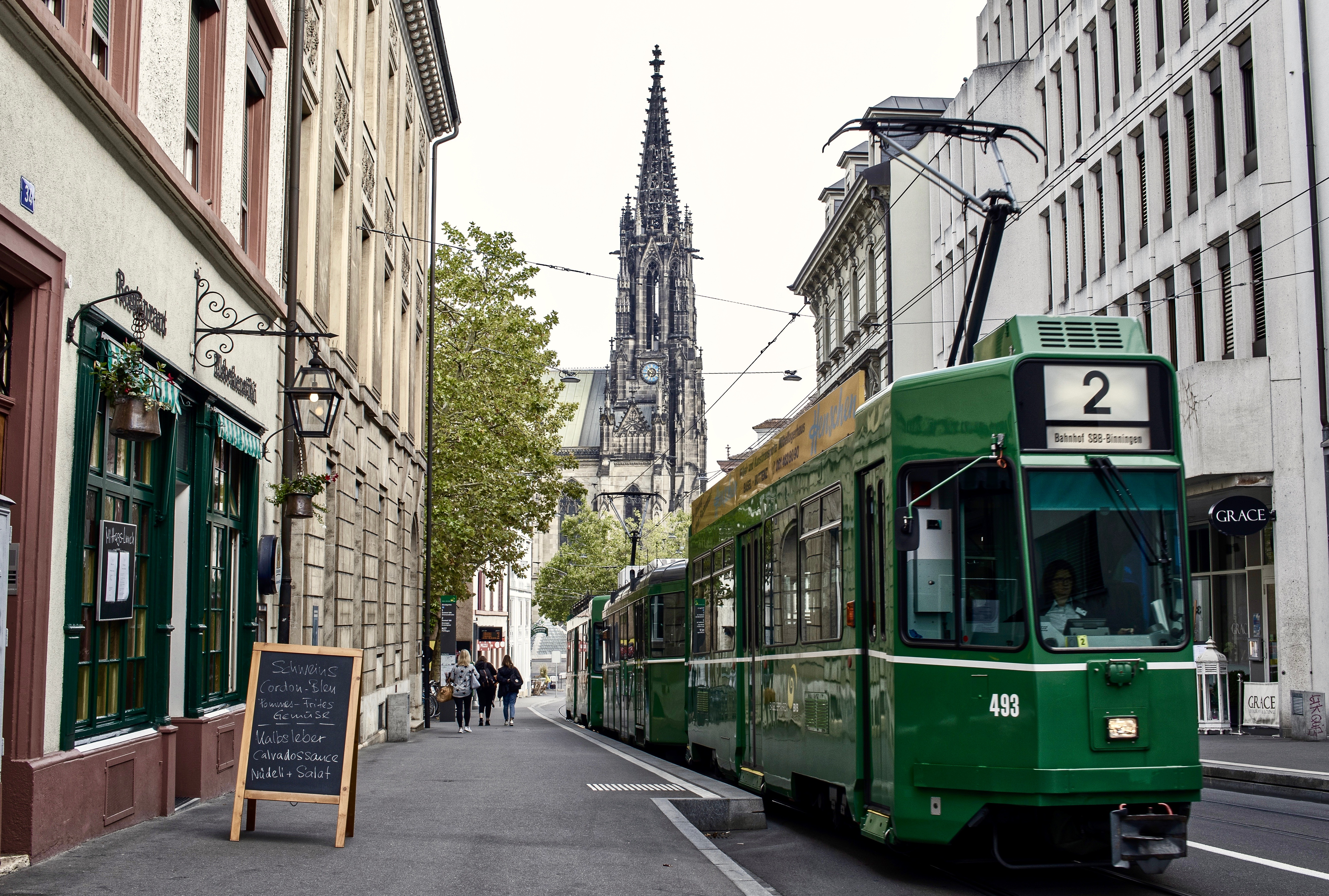 tram-3955750