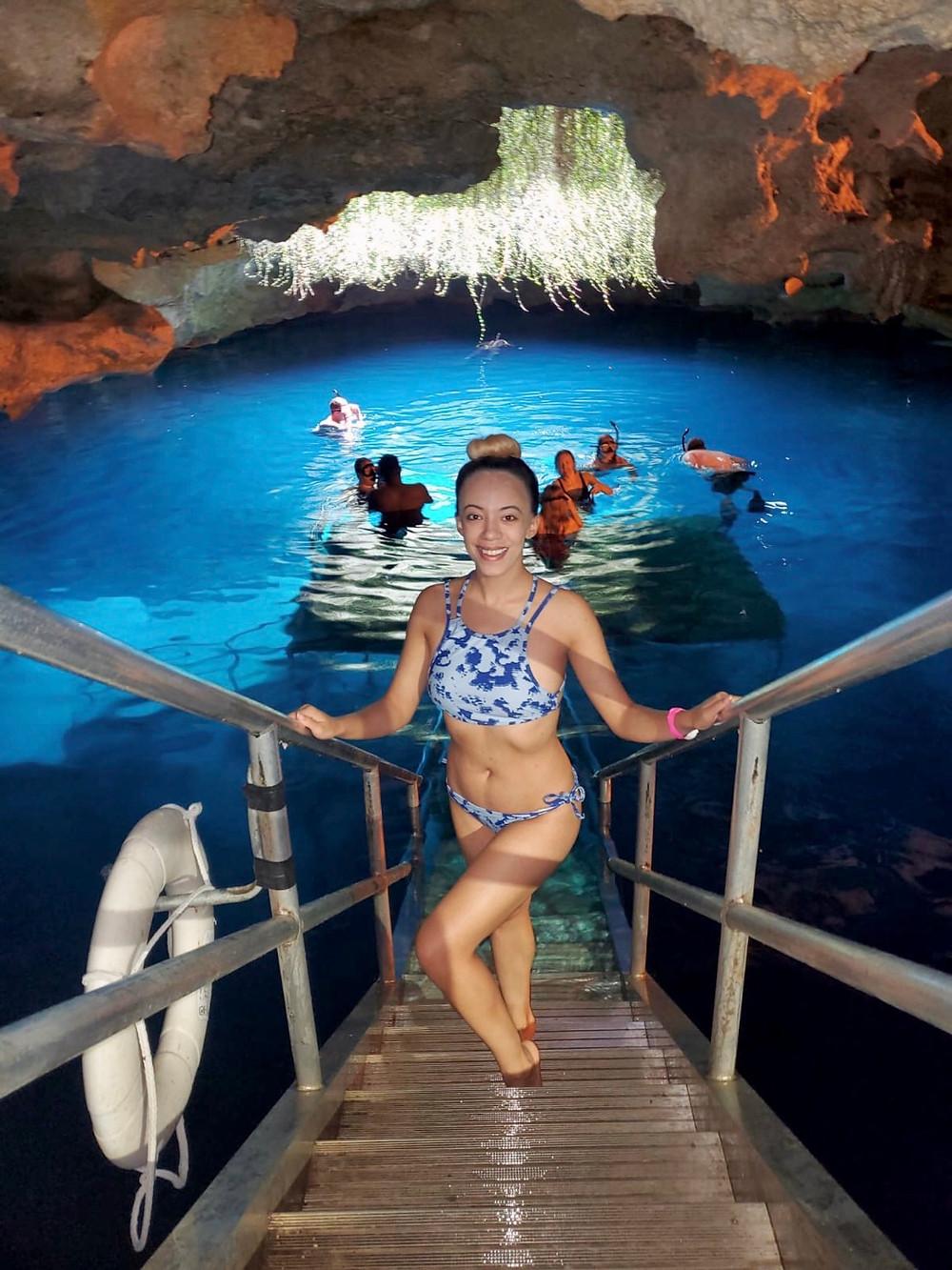 Florida-travel-blogger-Katrina-Belle-Florida-Devils-Den-Springs