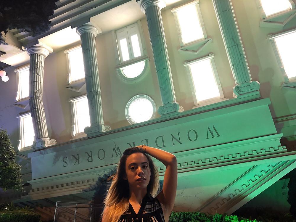 Orlando-Blogger-Katrina-Belle-IDrive-Wonderworks-Orlando-Vacation