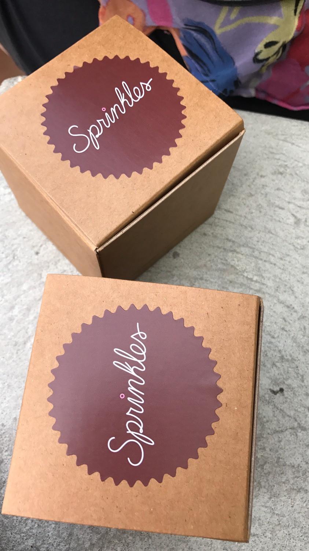 Sprinkles-Cupcakes-Disney-Springs-Orlando-Food-Katrina-Belle-Disney-Food-Blogger