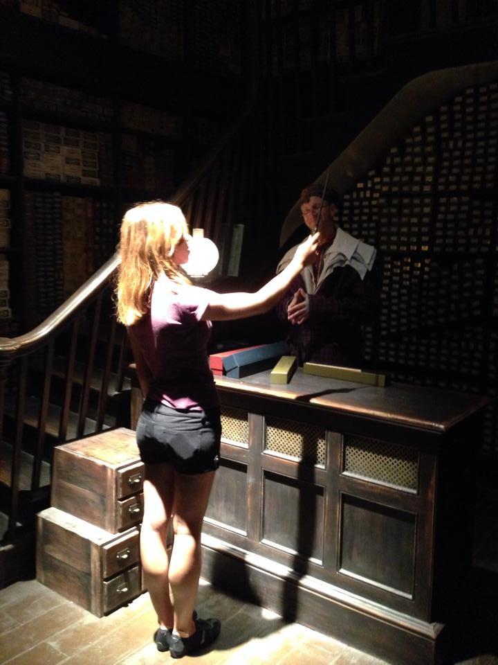 Katrina Belle - Katrina Belle Beauty - Orlando fashion blogger - Universal Orlando blogger - The Wizarding World of Harry Potter  - Diagon Alley - Ollivander's Wand ceremony Harry Potter