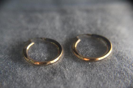The Minimal Essential - Gold Hoop Earrings