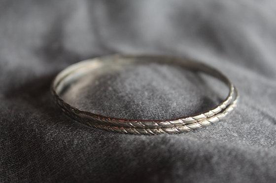 The Minimal Jingle Bracelet