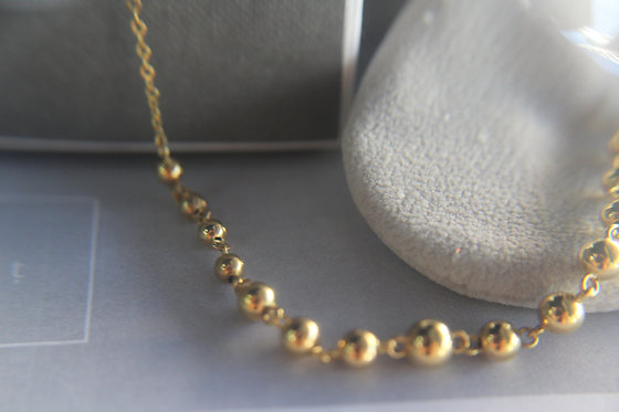 Standalone Ball Necklace