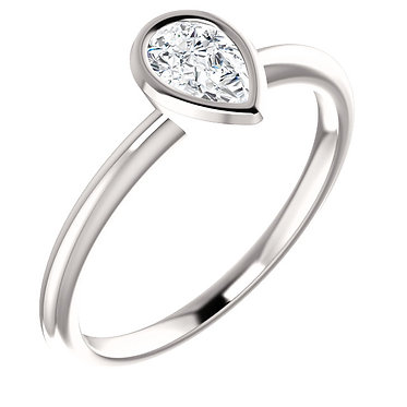 The Bezel Pear Solitaire