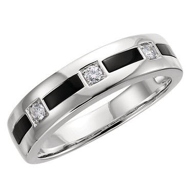 The Minimal Onyx Ring