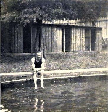Swimming bath  2 0w.jpg