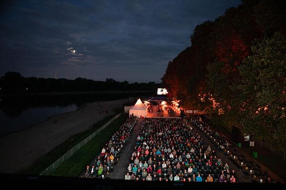 60.000 kulturbegeisterte Menschen auf der Parkinsel