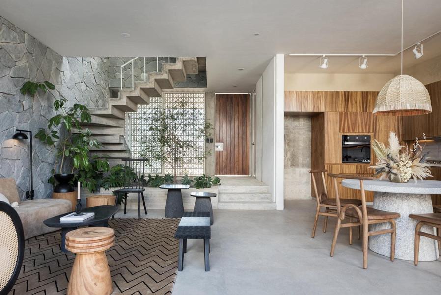 Sala, cocinas y escaleras