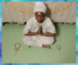 queen Mother Imakhu in prayer-blue borde