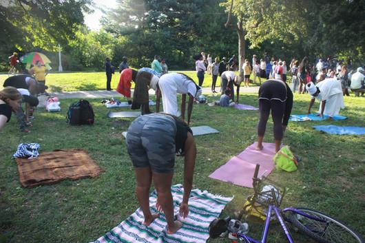 Queen Mother Imakhu teaching yoga_prospe