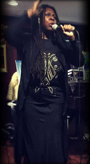 Queen Mother Imakhu performing at Harlem