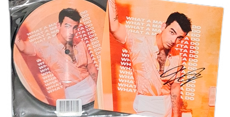 Jonas Brothers - Compacto Vinil Single What A Man Gotta Do (Autografado Joe)