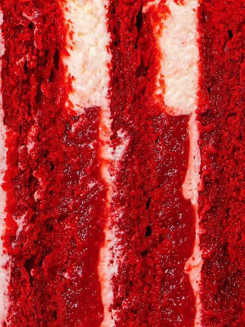 Тортик червоний оксамит з полуницею