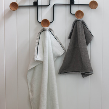 modern-bathroom-storage-ideas-towel-rack.jpg
