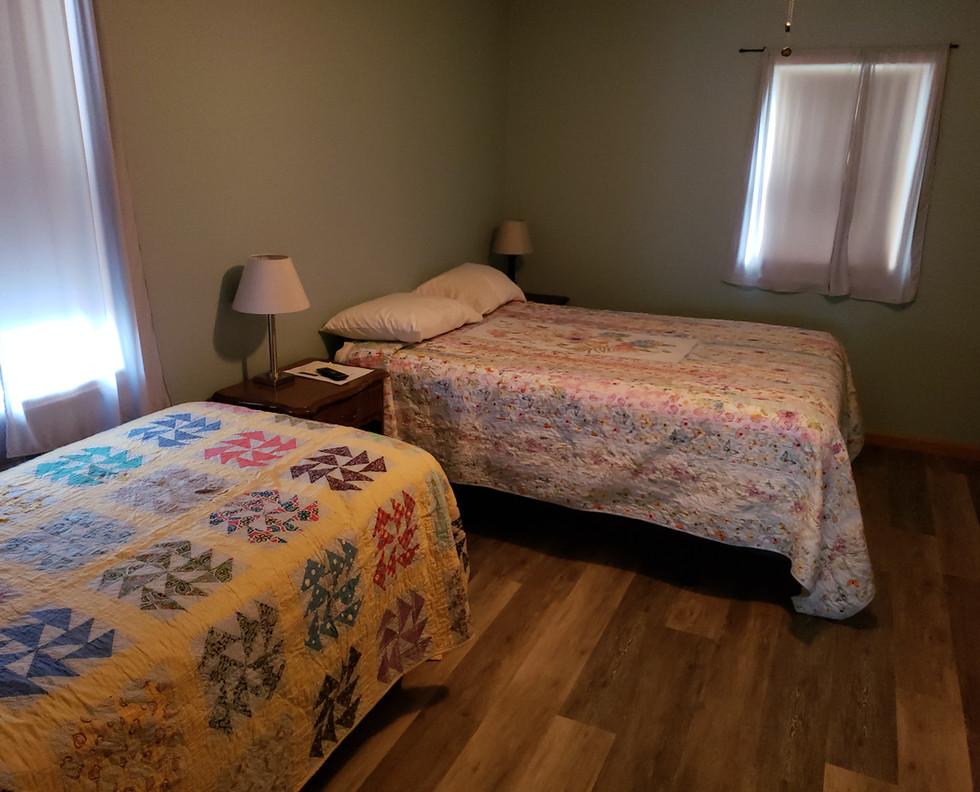 Back Bedroom (East)