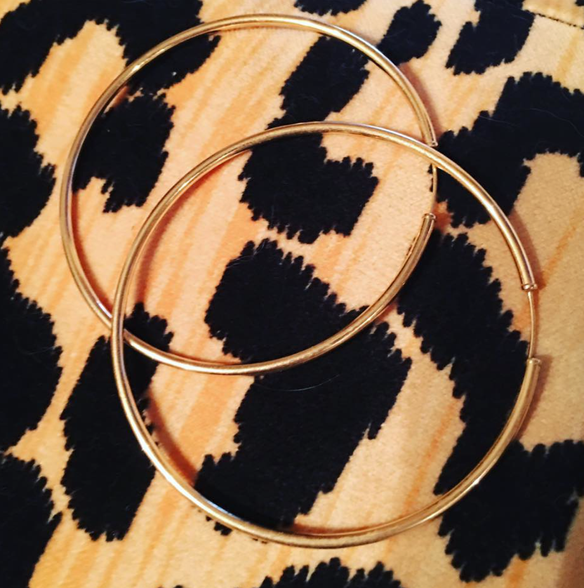 Hoop Earrings / Gold