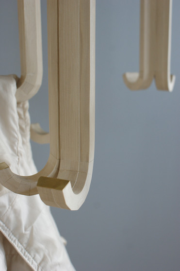 "Garderobe ""respond - mechanical coat rack"""