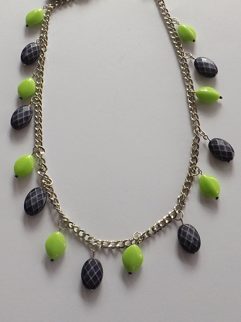 Large silver toned chain necklace w/green & black