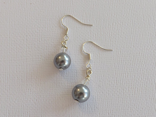 Silver hook earring with 10mm glass pearl & cryst.