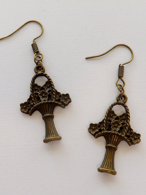 Antique bronze hook dangle earring w/charm