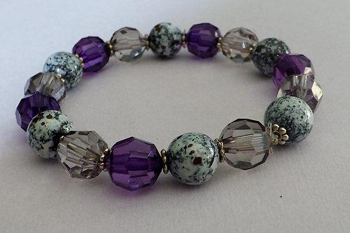 Purple, grey & white flecked bead stretch bracelet