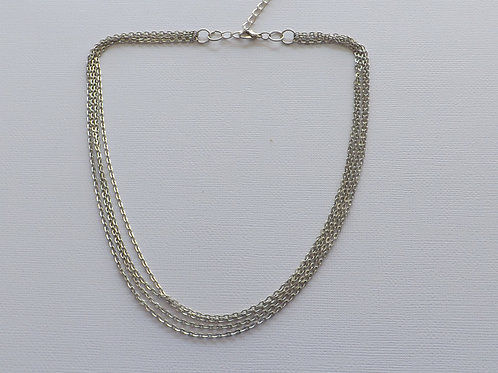 Four strand chain short necklace