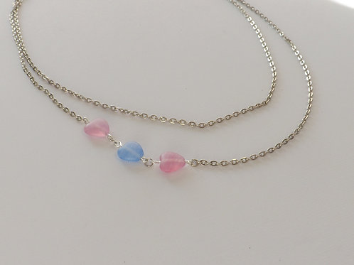 Double strand chain with 3 glass heart beads