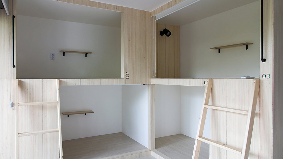 Male-only l 4-person room