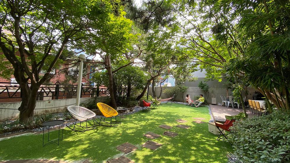 Yawn House Gangnam Branch Garden