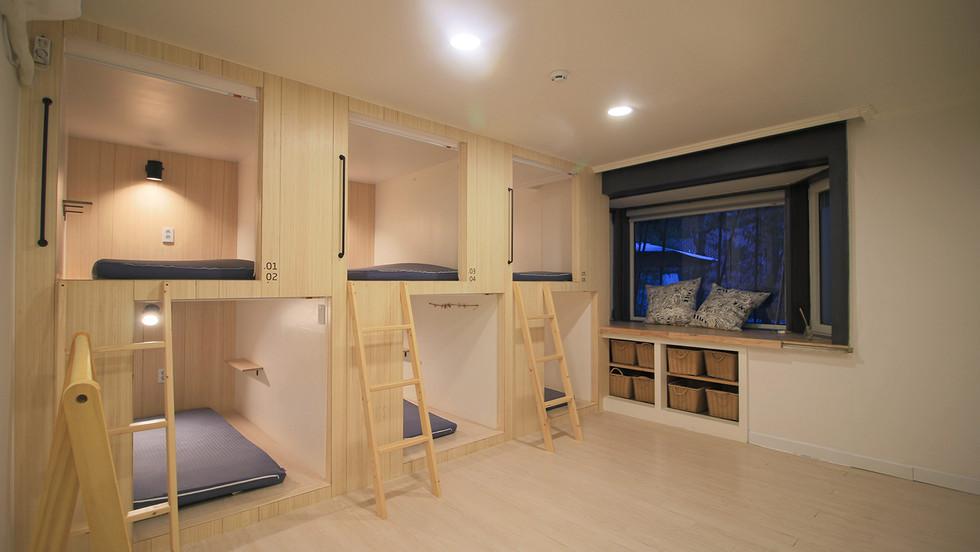 Yawn House Gangnam Branch, 6 person room