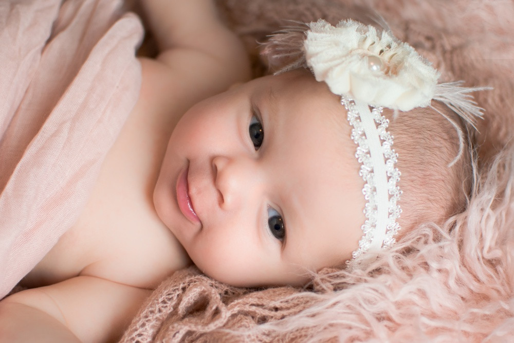 Baby girl photo shoot in Burnsville Minnesota