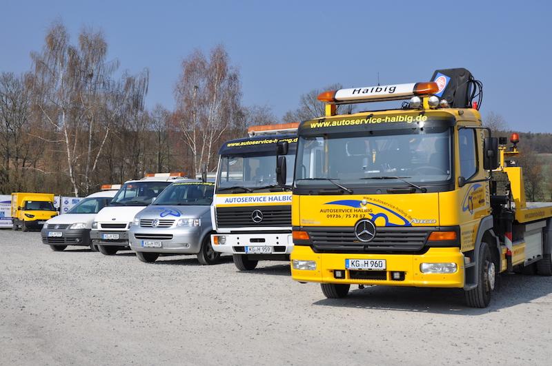 Service-Fahrzeuge